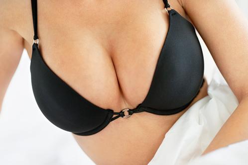 les implants avant une augmentation mammaire